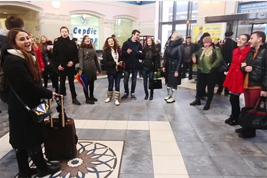 Flashmob in Zaporoschje, Aktion für Versöhnung wischen Russen und Ukrainern. Quelle: TV5