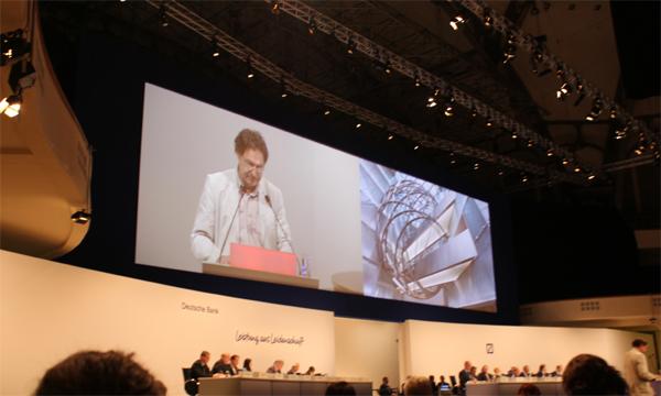 Matthias Jochheim, Vorsitzender der IPPNW Deutschland auf der Hauptversammlung der Deutschen Bank 2012