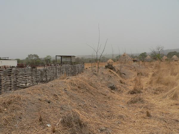 Das Camp der Firma Rockgate  in Sicht und Hörweite von Falea