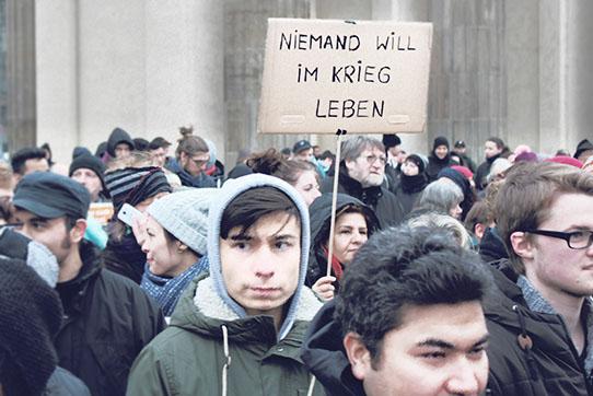 Demonstration gegen Abschiebungen aus Afghanistan. Berlin, 2017 - Foto: IPPNW