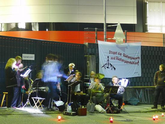 Vor dem Hauptkonzert – in den frühen Morgenstunden – verteilten sich Musiker auf alle 5 Werkstore von Heckler & Koch