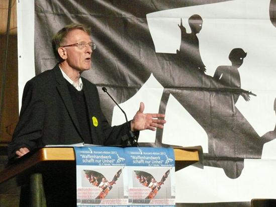 Kinderarzt und IPPNW-Mitglied Dr. Winfrid Eisenberg sprach beim Vorkonzert in der Markuskirche Villingen am 2. September 2012