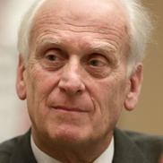 Prof. Dr. Ulrich Gottstein, Mitbegründer der deutschen Sektion der IPPNW und Ehrenvorstandsmitglied IPPNW