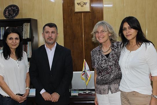 Bei dem Verein  Assyrische demokratische Bewegung von links nach rechts Sakine Kizilhan, Fareed Yacoob, Angelika Claussen, Nora Kizilhan