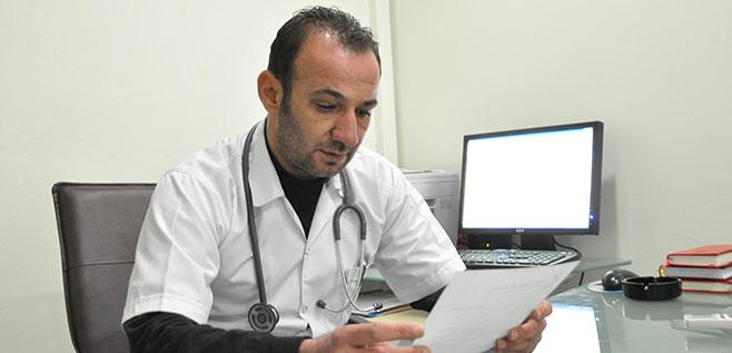 Der Arzt Dr. Serdar Küni ist Vertreter der türkische Menschenrechtsstiftung in Cizre. Foto: Yeni Özgür Politika