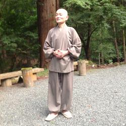 Der buddhistische Priester Tetsuen Nakajima warnt vor den Gefahren der Atomenergie